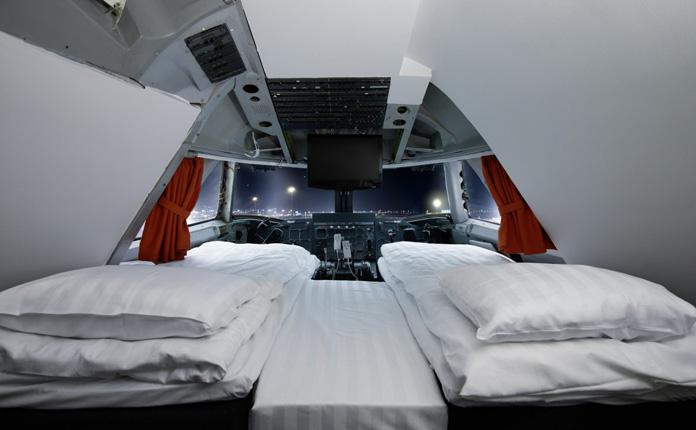 O quarto principal, localizado no cockpit do avião