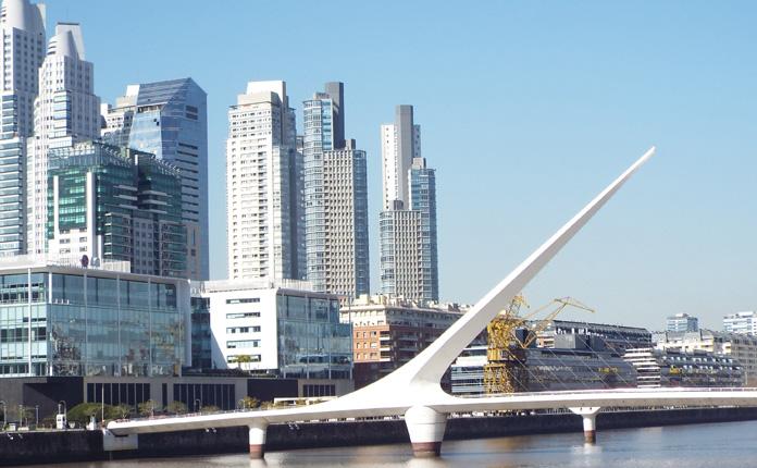 Puerto Madero e a Puente de La Mujer