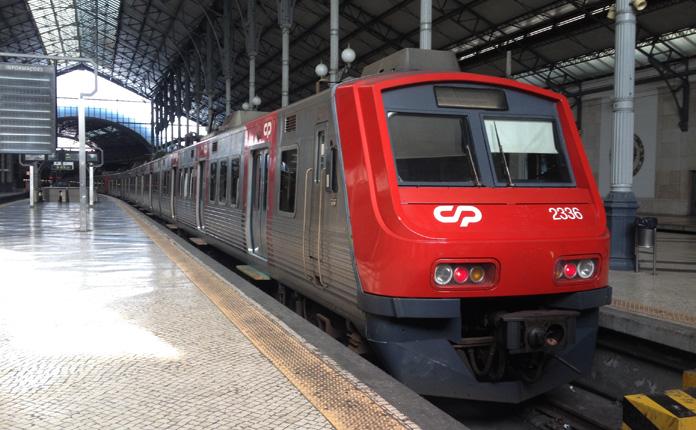 Trem da CP na Estação do Rossio