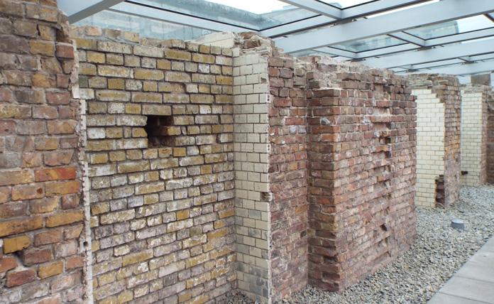 Fundações onde ficavam as celas da Gestapo