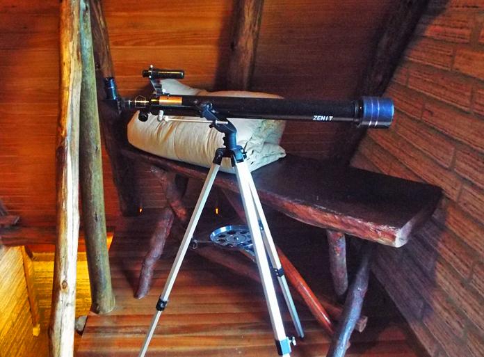 Telescópio no chalé