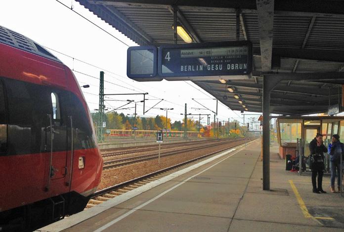 O trem na plataforma
