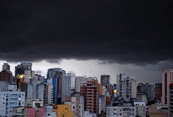 Parece que o céu vai desabar