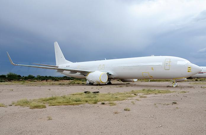 Este 737 é novo e está embalado esperando um dono (Foto: John Padgett - Airliners.net)