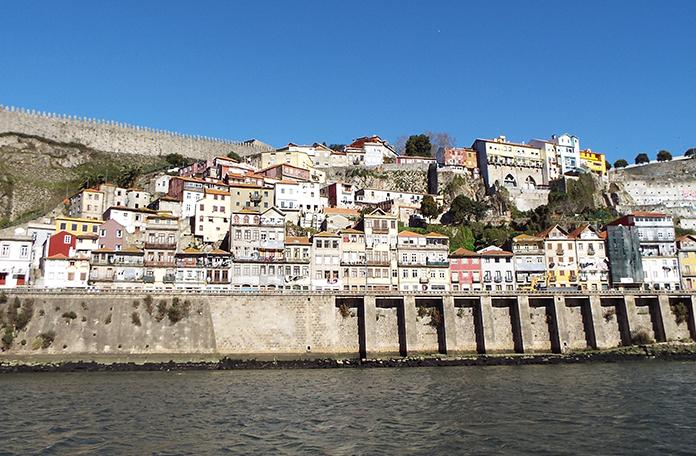 Cruzeiro pelo Rio D'Ouro: vista da cidade