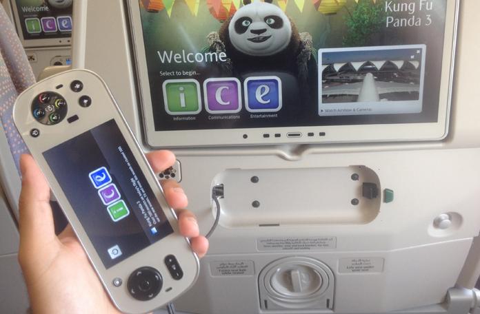 Detalhe do controle remoto que também tem uma tela