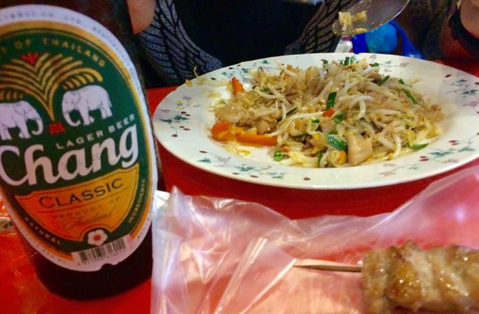 Cerveja Chang e Pad Thai