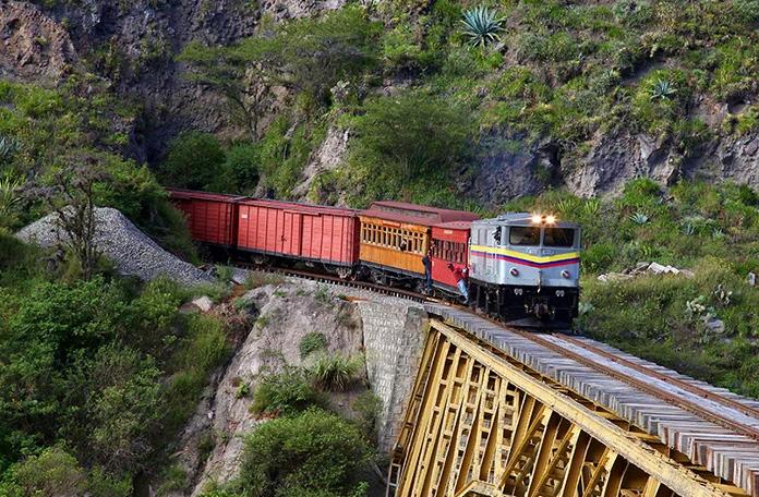 10 viagens de trem: de Otavalo a Salinas no Equador