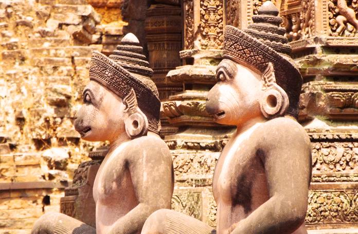 Estátuas de devoção a Shiva