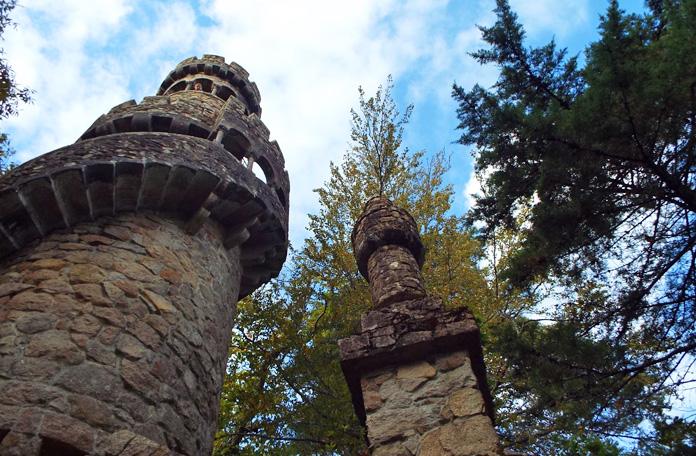 São várias torres e mirantes