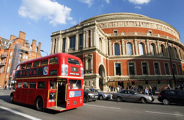 Linha 9 em frente ao Albert Hall