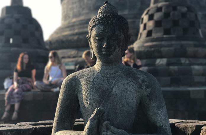 Lindas estátuas de Buda