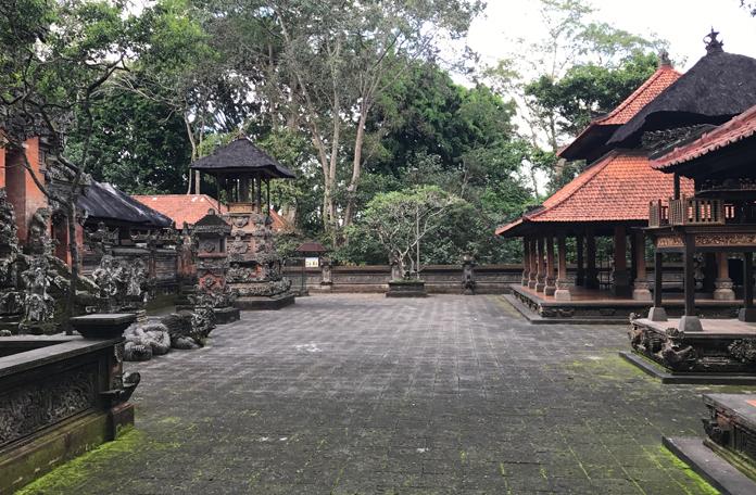 O mesmo templo, em outro ângulo.