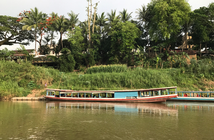 Barcos típicos, cenário do Laos