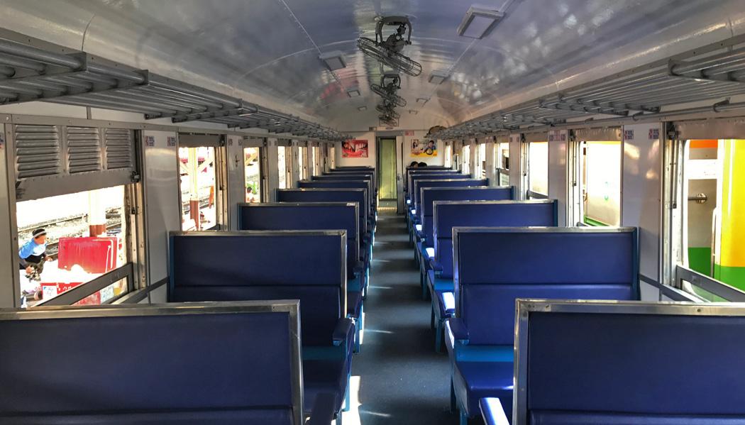 Interior dos vagões da terceira classe