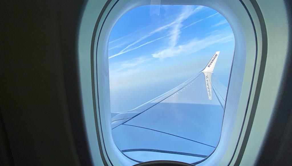 Como é voar com a Ryanair