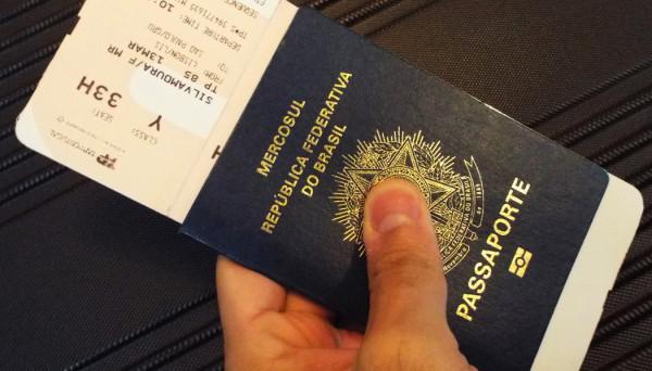 que documento eu preciso para viajar