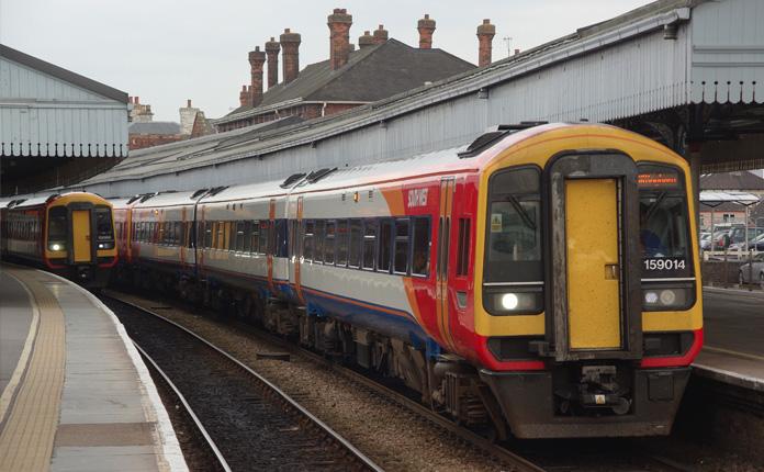 O trem que liga Londres a Salisbury