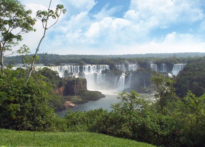 Essa é a primeira imagem que nós temos das Cataratas do Iguaçu
