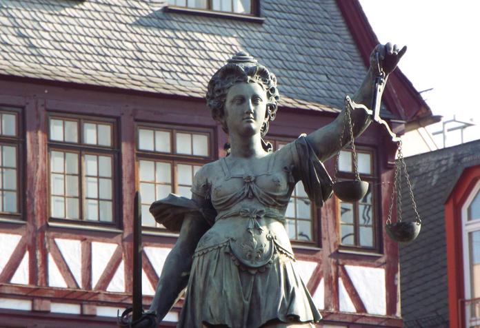 A Gerechtigkeits-Brunnen, ou Fonte da Justiça