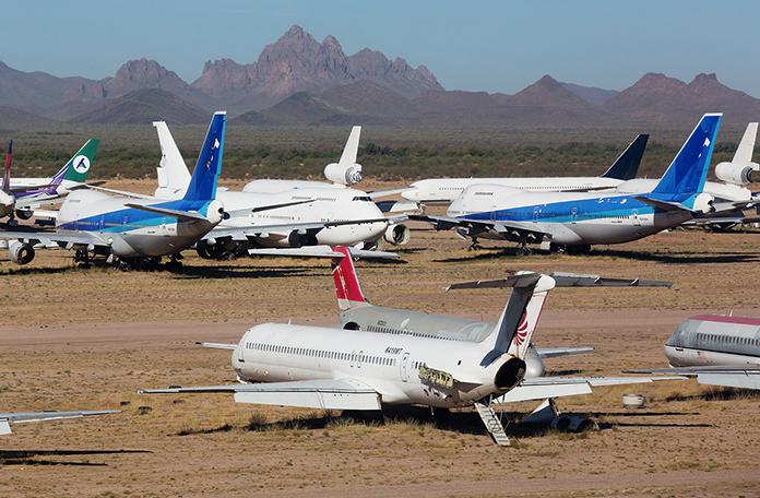 Cemitério de aviões nos EUA (Foto: Zsaro Gabon - Airliners.net)