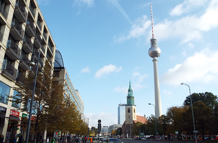 Berliner Fernsehturm na Alexanderplatz