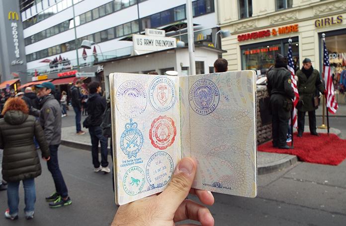 O mais legal são os carimbos no passaporte