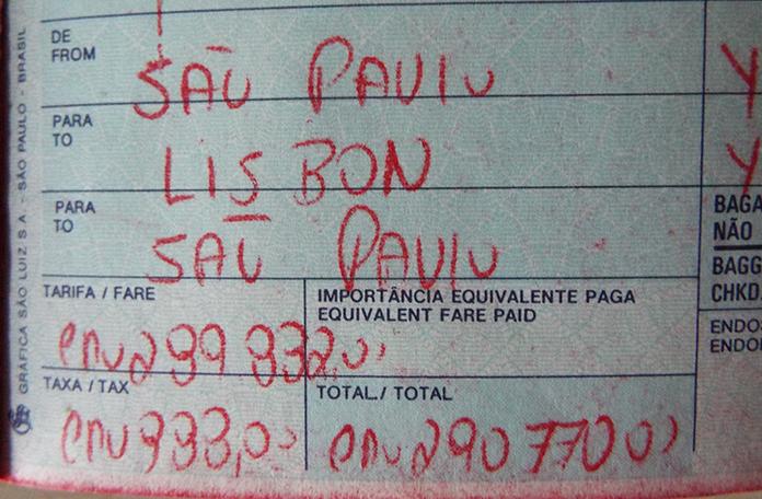 Como era voar antigamente: Preenchida a mão e detalhe pro valor da passagem, 290.770,00 Cruzeiros