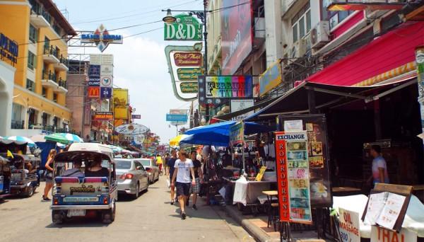 Khao San Road onde se hospedar em Bangkok