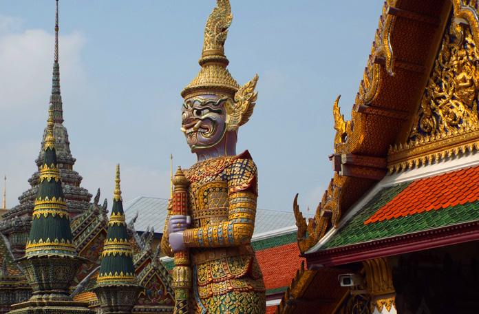 Um dos muitos guerreiros do Grand Palace