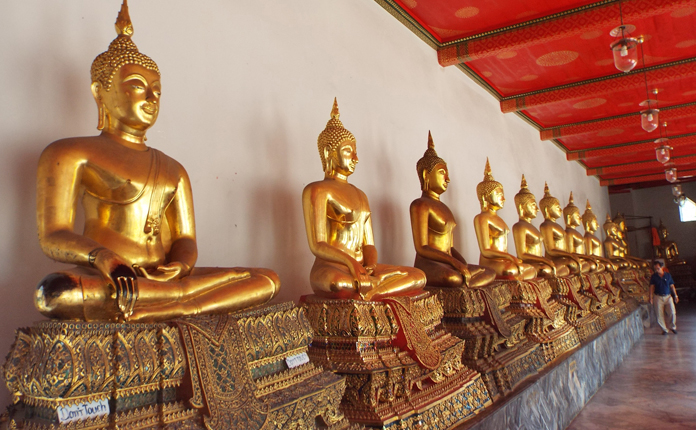 Centenas de Budas