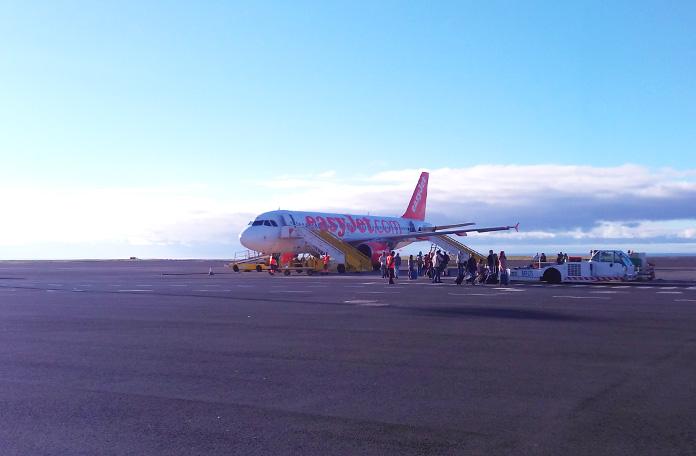Desembarque na pista em Ponta Delgada