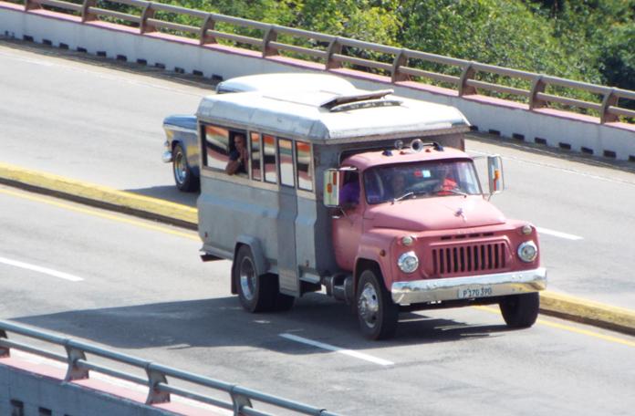 Um dos vários tipos de transporte público na ilha