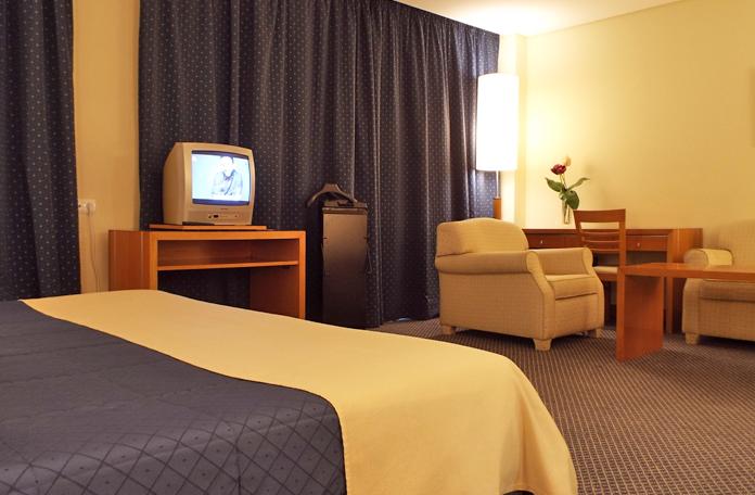 Não sou de ver TV em hotel, mas é uma pena as TVs serem de tubo
