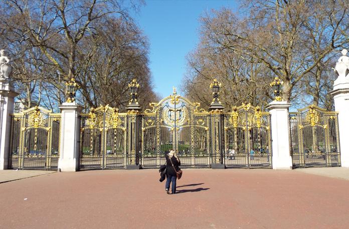 Um dos portões do Green Park