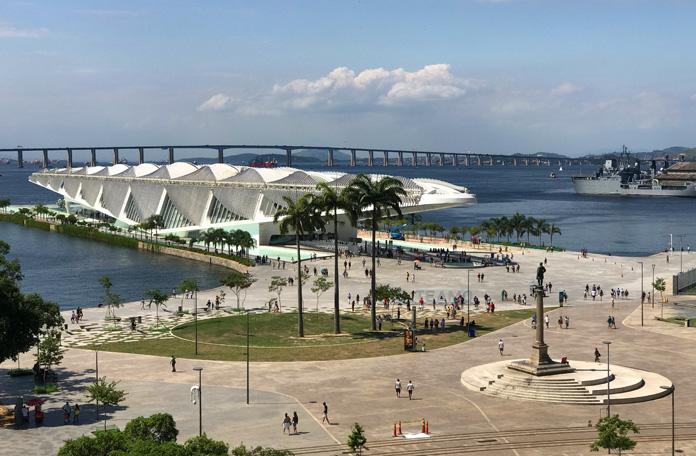 Vista do Museu do Amanhã a partir do mirante do M.A.R.