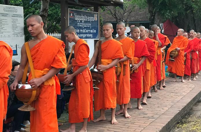 Só em Luang Prabang para a gente ver esse ritual