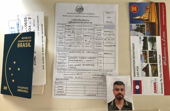 Passaporte, formulários + foto
