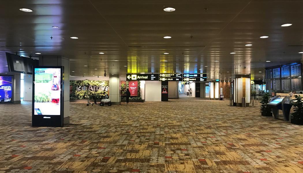 """Chegando em Cingapura: siga as placas """"arrival"""""""