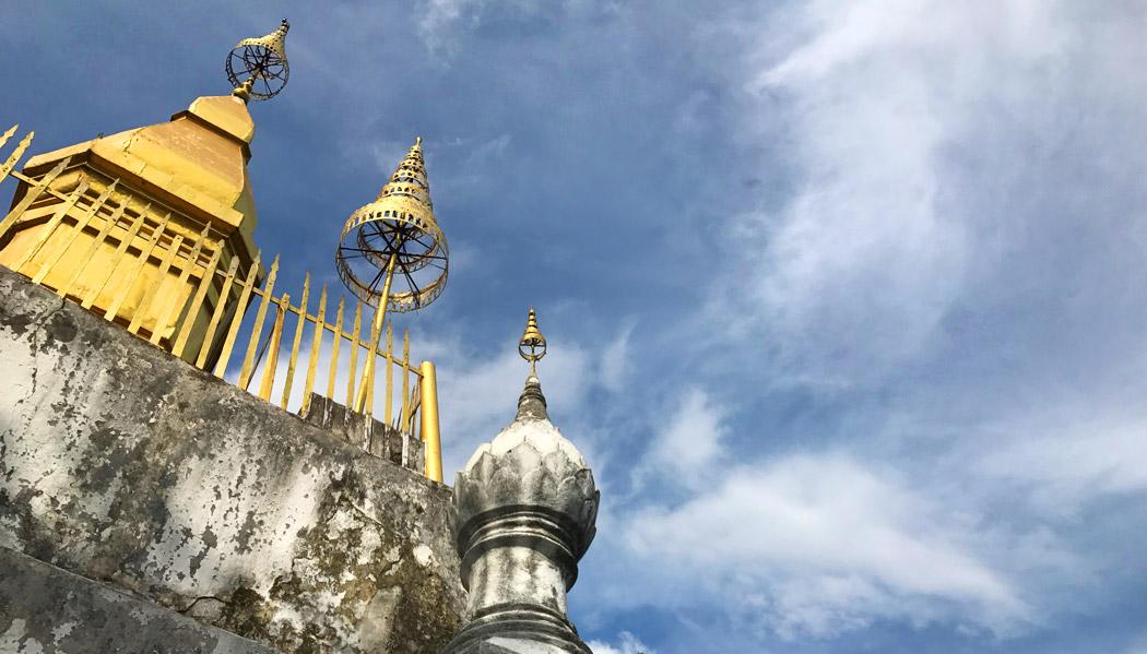 Templo budista do Monte Phousi